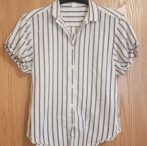GAP Short-Sleeved Button-Down